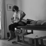 Séance d'ostéopathie au cabinet pour douleurs musculaires